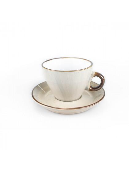 Xícara de Chá Bege de Porcelana com Pires