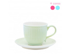Xícara de Chá Verde Claro